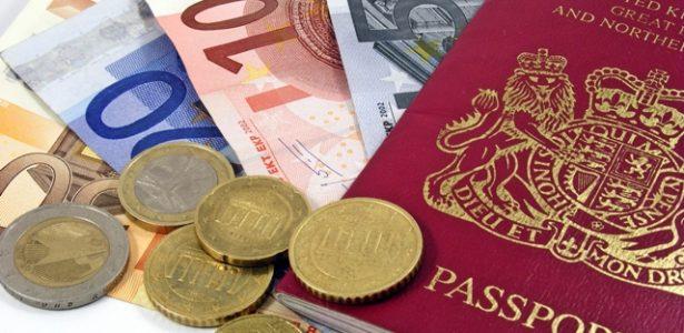 Vai ao exterior? Escolha o jeito certo de pagar para não perder dinheiro